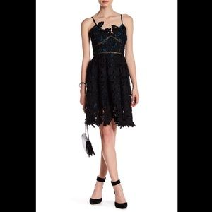 NWT Romeo & Juliet Couture Woven Lace Mini Dress
